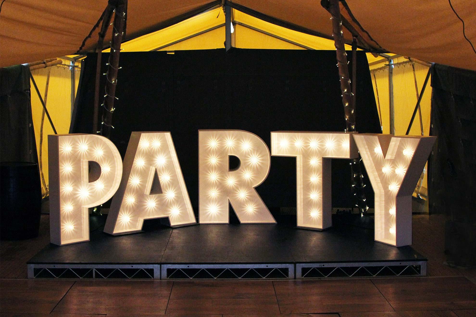 bg-letters-party